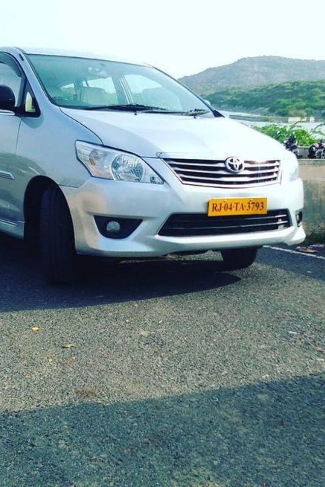 cab hire in Delhi